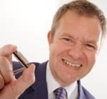 Ben Hewlett tiny harmonica